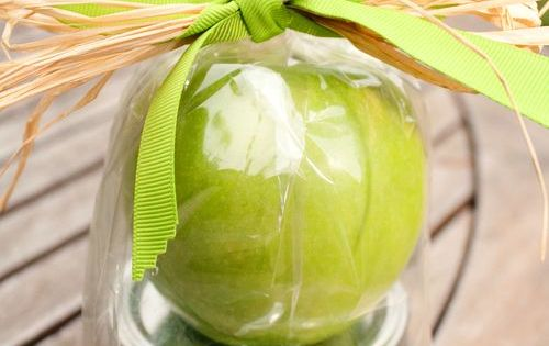 Teacher Appreciation gift idea - caramel apple dip