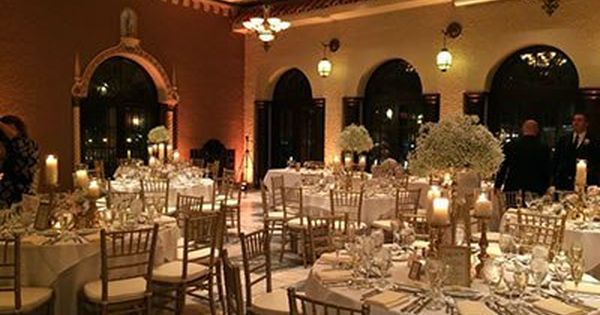 Hotel Baker Weddings North Northwest Chicago Wedding Venues St Charles Il 60174 Here Comes The Guide Chicago Wedding Venues Hotel Flower Candle