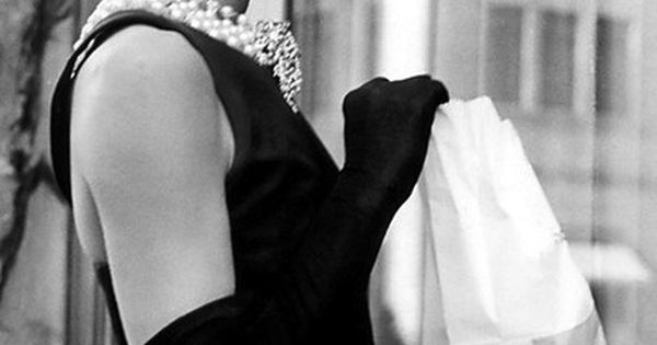 Audrey Hepburn, Givenchy, Holly Golightly, LBD, Little Black Dress, cinema and fashion,