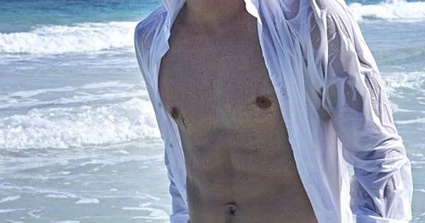 Grey_Damon_shirtless_02 - MenofTV.com - Shirtless Male Celebs