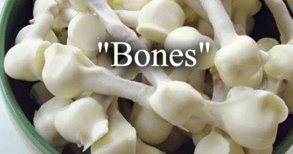 marshmallow pretzel bones | Halloween | Pinterest | Pretzels, Bones ...