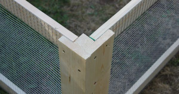 DIY Chicken Coop Corner - also useful for raised bed animal protection....