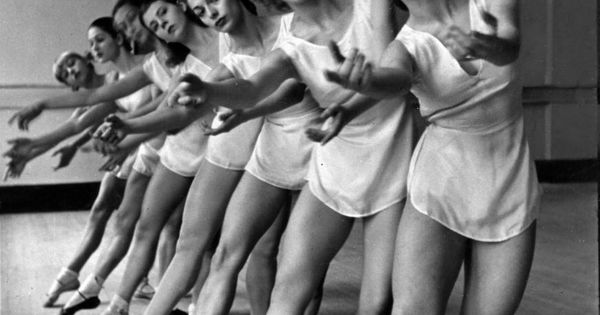 Balanchine's School of American Ballet. Dancers with Strong, Muscular Gams!