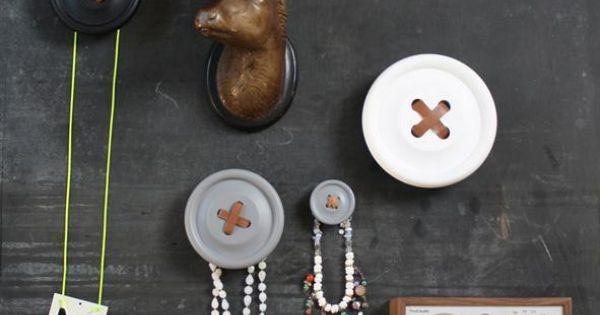 Button - Button Love : Pinterest - Magneten, Rustiek en Haken