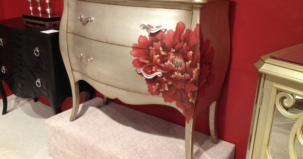 Silver Finish And Hand Painted Detail On Bombay Chest Via