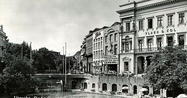 Oudegracht 1961 vanaf stadhuisbrug de winkel van sinkel is nog een statige bank in de camera - Huis van de wereld bank plaatsen ...
