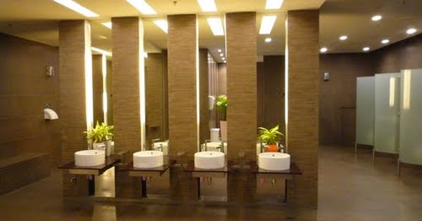 Executive Restroom Great Design And Use Of Space. Clear Space