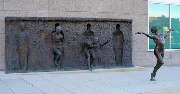 . Freedom, Philadelphia, Pennsylvania, USA When Zenos Frudakis created this statue he