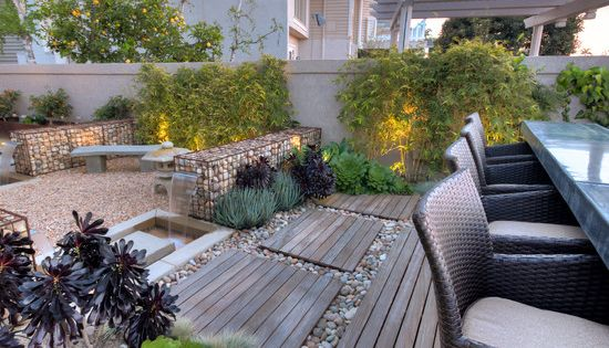 terrassen ideen garten holz kies gabionen bambuspflanzen essm bel rattan garten pinterest. Black Bedroom Furniture Sets. Home Design Ideas