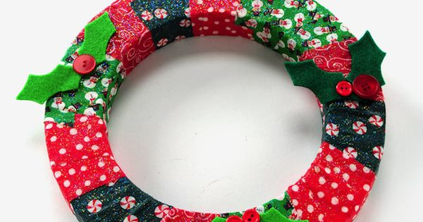 DIY wreath - a very easy Christmas kids' craft using Mod Podge.