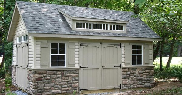 Stone Siding I know it's garage but picture it on the
