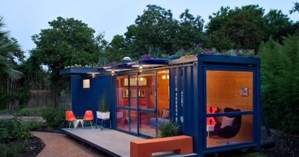 Poteet Architects in San Antonio, Texas recently constructed this shipping container house