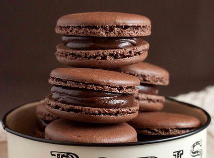 Ohh la la, chocolate macaroons.