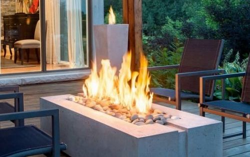 Moderner Terrassenkamin Sorgt Fur Angenehme Stunden Auf Der Eigenen Terrasse Feuerstellen Im Freien Feuerstellen Bereich Beton Feuerstellen