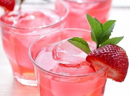 Spiked Strawberry Iced Tea plus more drink recipes