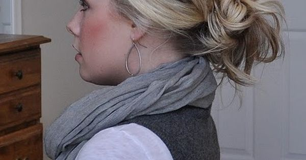 Hairstyle, hair idea, messy bun. Hair blog.