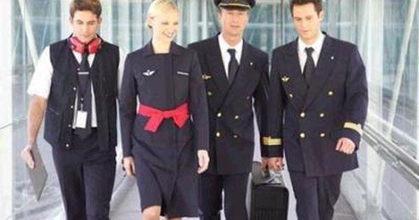 Les Plus Beaux Uniformes Des Hotesses De L Air Hotesse De L Air