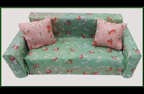 Diy Puppenhaus Sofa Aus Schwammchen Basteln No Sew Dollhouse Couch Made Of Sponges Youtube Barbie House Furniture Doll House Couch