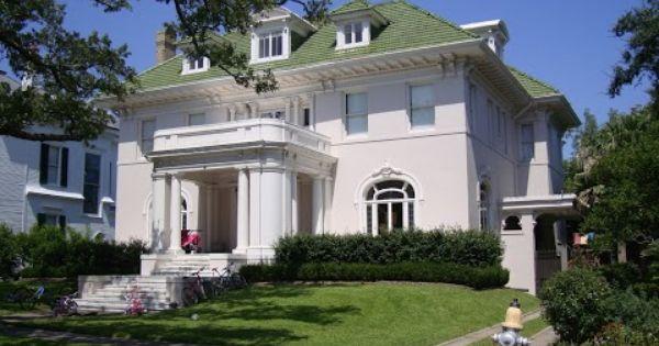Exterior: 18 Audubon Place, The Home Of Richard And Karen Goldenberg