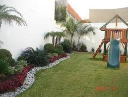 Resultado De Imagen Para Jardines Modernos Con Palmas Jardines Jardines Modernos Diseno De Jardin