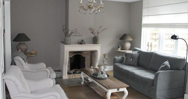 dit is onze woonkamer landelijke stijl gestuukte muren en painting the past muurverf gebruikt