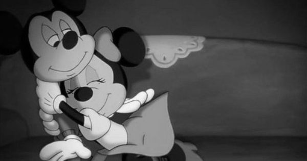 Mickey Mouse & Minnie Mouse In Love