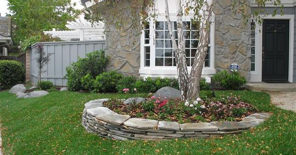 Flagstone On Sloping Yard Yard And Flower Beds 400 x 300
