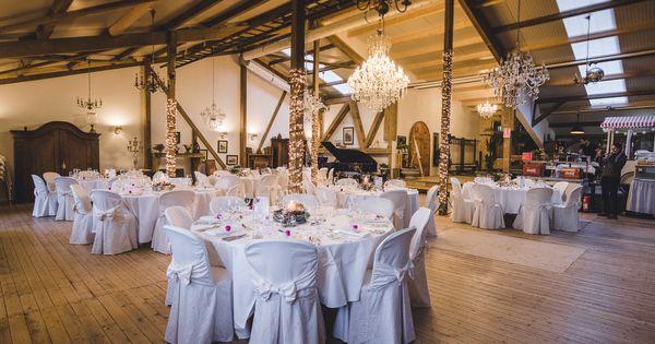 Winterlicher Hochzeitsdeko In 2020 Hochzeitsdeko Hochzeitstisch Hochzeitsfotograf