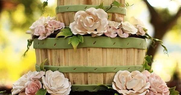 bushel basket wedding cake market basket wedding cake wedding cakes amp cupcakes 12262