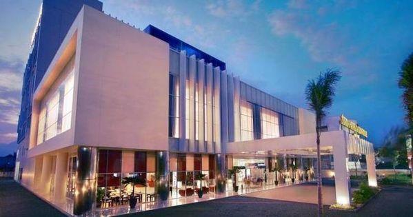 Review Hotel Atria Hotel Malang Malang Idnhotel Com Atrium Hotel Hotel Reviews Hotel