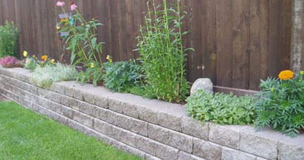 Planters Patiotown Com Diy Backyard Patio Planter Boxes Planters