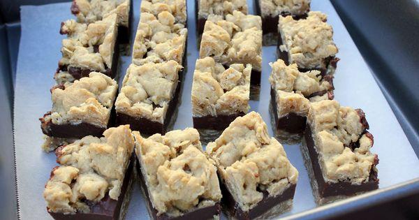 Oatmeal fudge bars, Fudge and Oatmeal on Pinterest