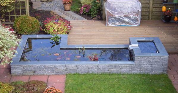 Kleine vijver met stromend water tuin terras for Spiegelvijver maken