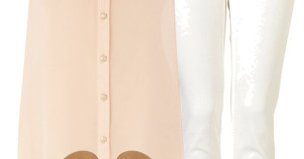 White skinny jeans peach sheer blouse gold sandals. Cute spring outfit.