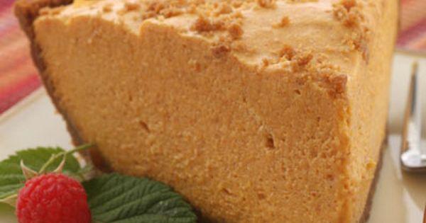 Gingersnap Pumpkin Chiffon Pie | Recipe | Pumpkin Chiffon Pie, Chiffon ...