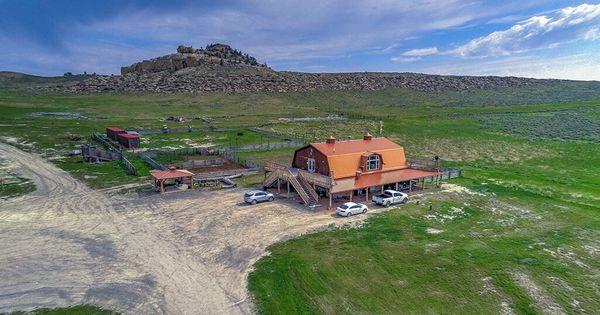 Kim Kardashian Kanye West Buy 14m Property In Wyoming Kim Kardashian Kanye West New Kanye Kanye West