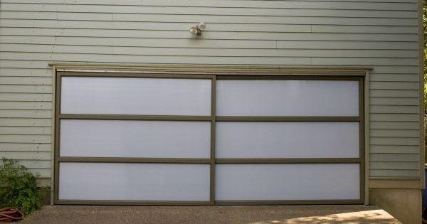 39 barn door 39 garage doors with polycarbonate translucent for Translucent garage doors