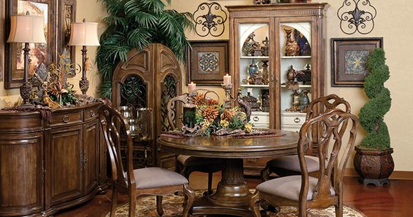 Hemesheres dining room old world tuscan decor for Tuscan dining room wall art