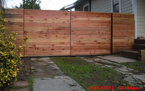 1x5 Redwood Modern Horizontal Fence Driveway Gates 1 Before Staining Alumni Ave Eagle Rock Los Angeles 90042 Driveway Gate Horizontal Fence Wood Fence Design