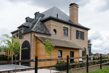 Pastorij zwarte ramen google zoeken buitenkant huis pinterest zwarte ramen ramen en zoeken for Deco buitenkant terras