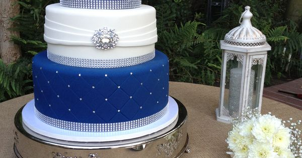 3 tier blue and white wedding cakes three tier fondant wedding cake royal blue and white 10214