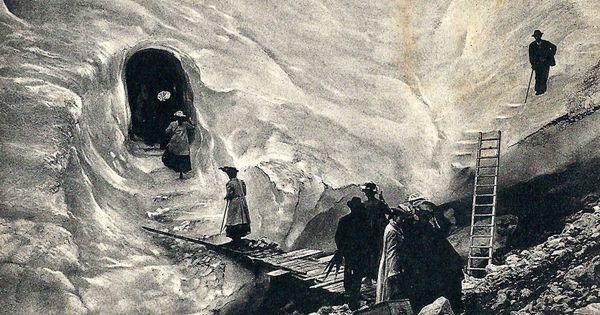 Chamonix Le Glacier Des Bossons La Grotte Et L Echelle A