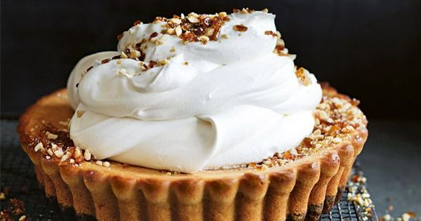 peanut butter cheesecake tart with peanut praline ...   ! BEST ...