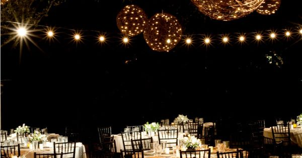 rustic wedding cool alternative to white lanterns