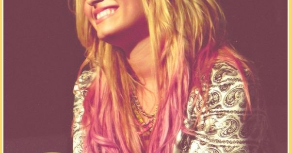 demi lovato with ombre hair style