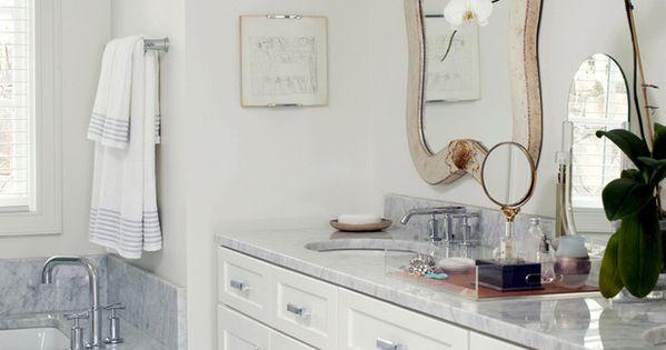 ... Bathrooms to Put You in the Mood - Ijdelheden, Knikkers en Werkbladen