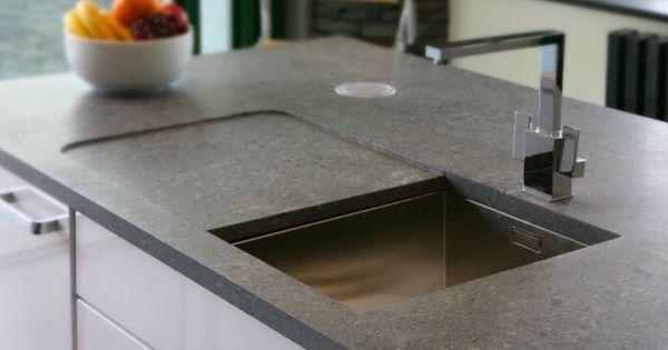 Schiefer ist für eine Küchenarbeitsplatte besonders gut geeignet - küchenarbeitsplatte aus beton
