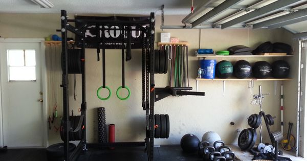 Great utilization of space in this homemade garage gym