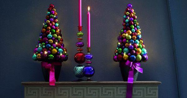 k nstlicher weihnachtsbaum selber basteln idee mit weihnachtskugeln weihnachten pinterest. Black Bedroom Furniture Sets. Home Design Ideas