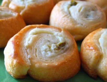 Jalapeno Cream Cheese Crescent Poppers - great party food! 1 package Cream